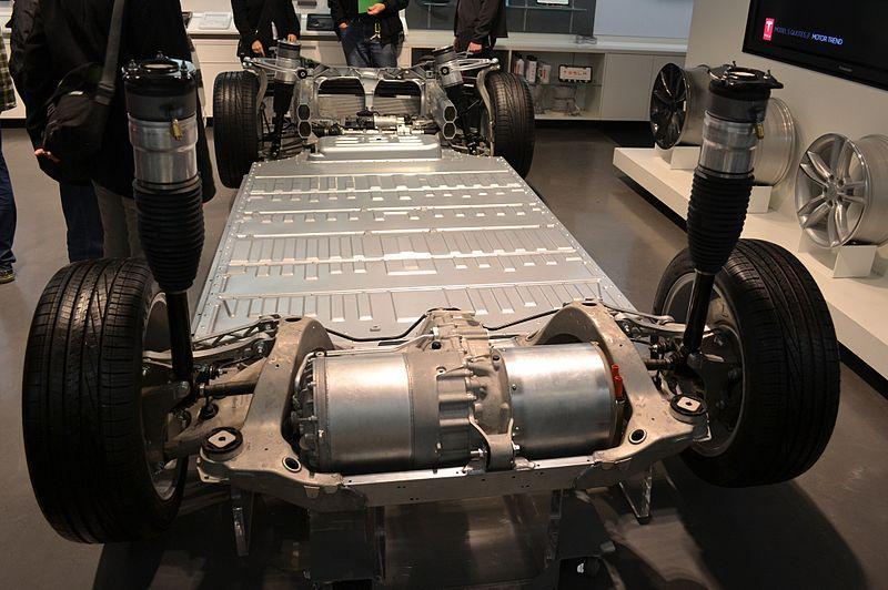 электроавтомобиль Tesla